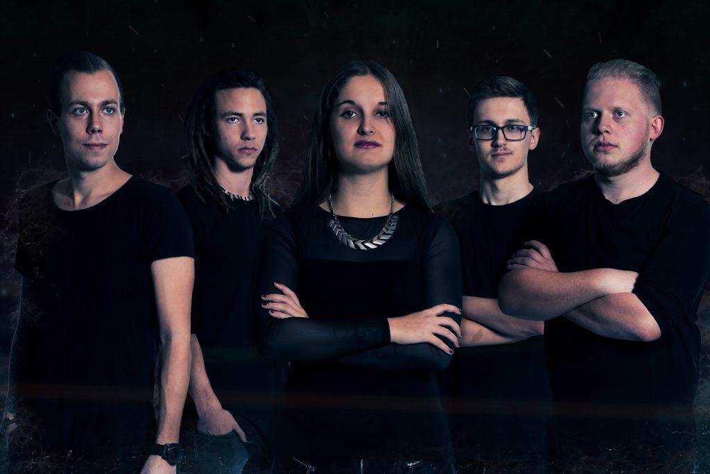 At First Bandfoto